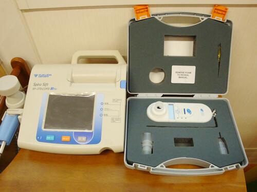 肺機能検査と呼気中一酸化炭素モニター